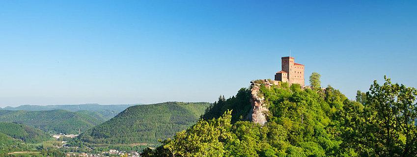 Blick auf die Reichsburg Trifels, Pfalz