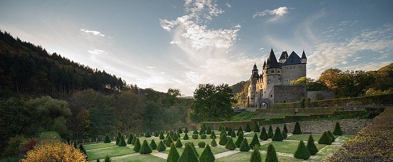 Schloss Bürresheim bei St. Johann, Eifel