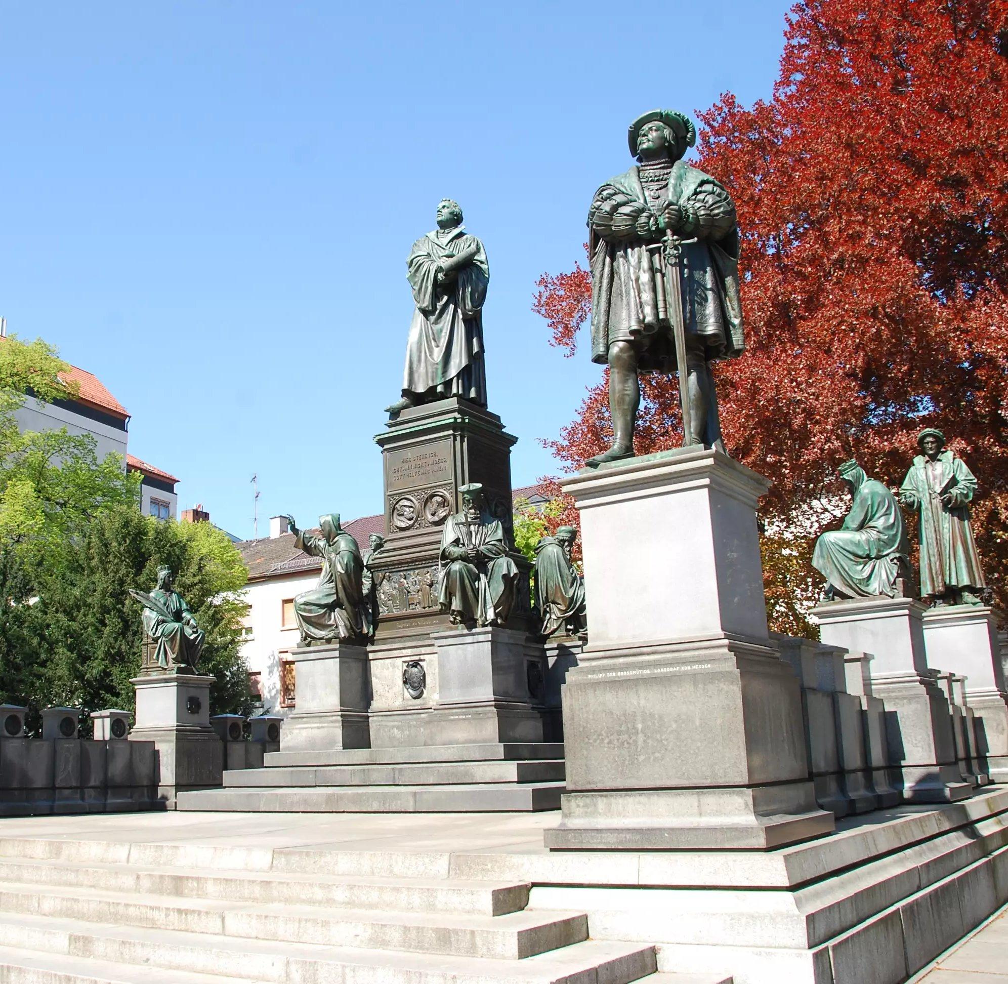 Das Lutherdenkmal in Worms- eine bedeutende Gedenkstätte der Reformation, Lutherstadt