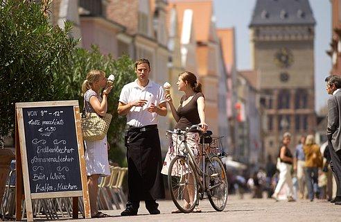 Blick auf die Maximilianstraße in Speyer, Pfalz