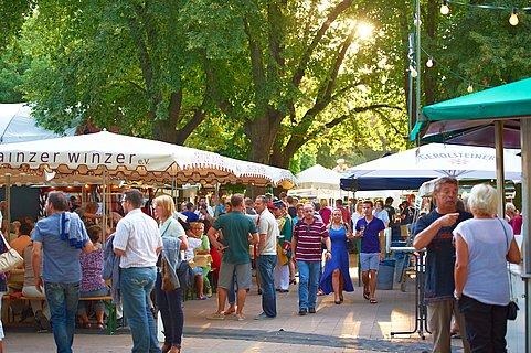 Mainzer Weinmarkt im Stadtpark, Rheinhessen
