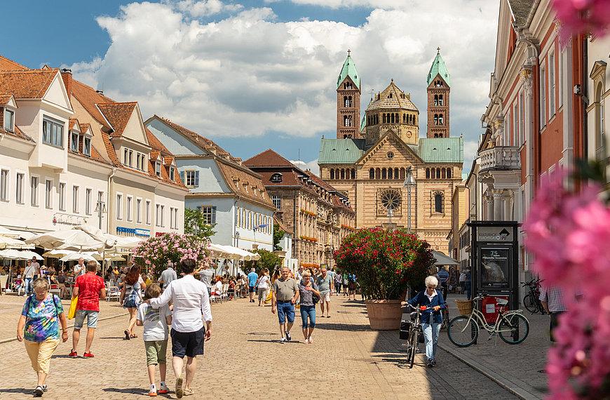 Die Fußgängerzone in Speyer, Pfalz