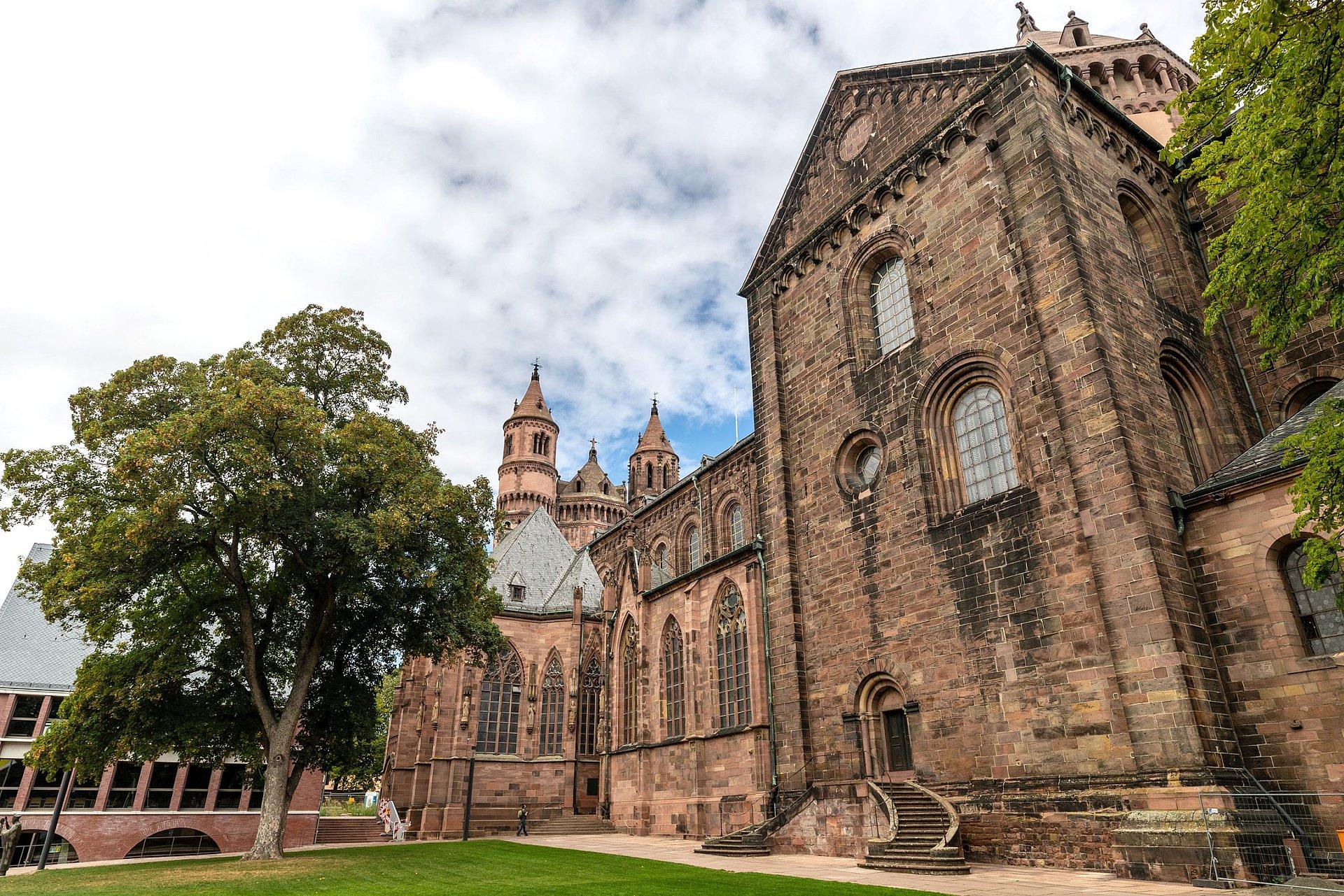 Blick auf den Dom St. Peter in Worms, Rheinhessen