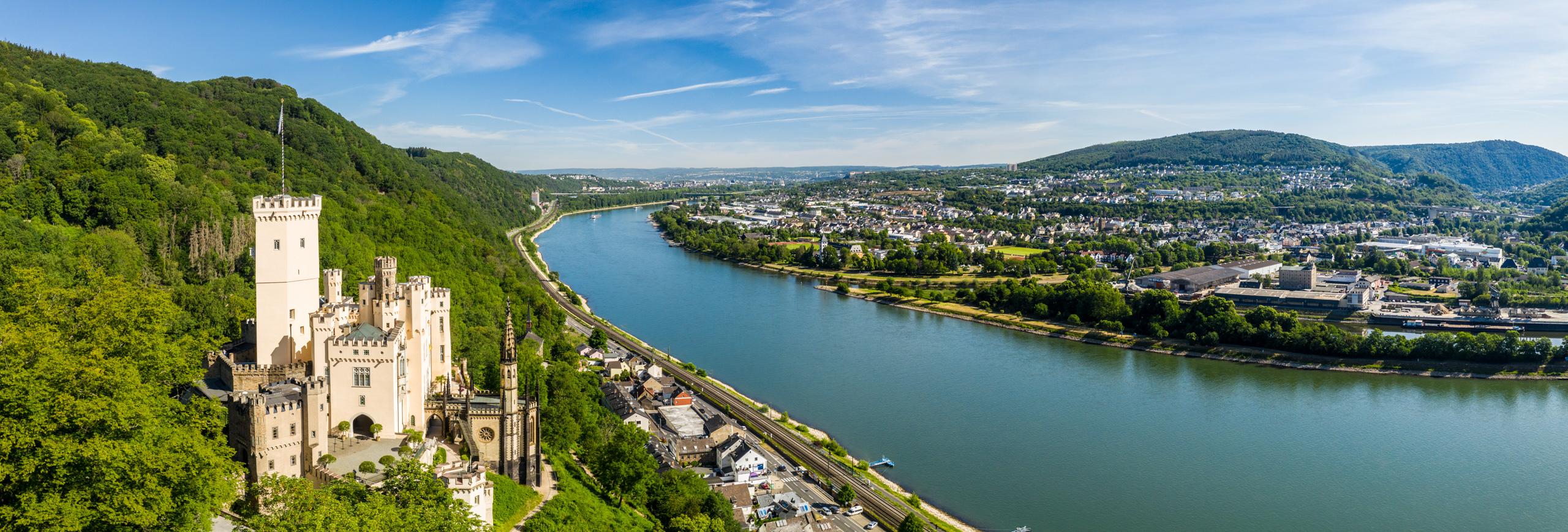 Blick auf Schloss Stolzenfels am Rhein, Koblenz