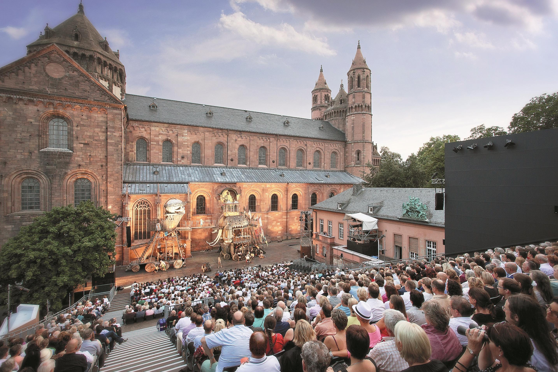 Het Nibelungenfestival is altijd een cultureel hoogtepunt in Worms, de stad van de Nibelungen.